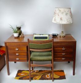 Jaren 60 bureau met Palisander hout