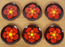 6 gebaksbordjes emaille met bloem