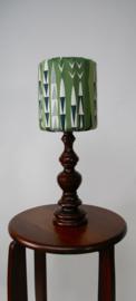 Houten tafellamp met groene kap