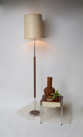 Vintage vloerlamp LUCI 3 met houten/metalen standaard en retro kap