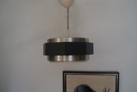Zwart met metalen hanglamp