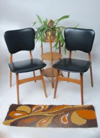 Vintage eetkamerstoel met zwart skai leer