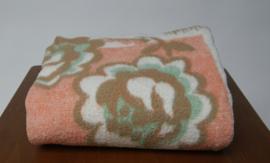 Zacht roze / groene wollen deken
