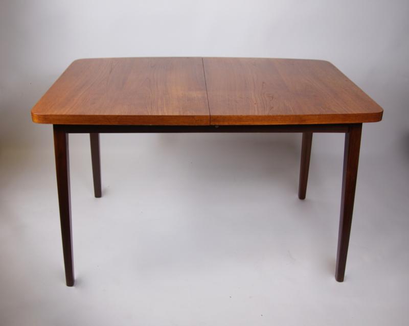 Uitschuifbare Eettafel Retro.Vintage Teakhouten Eettafel Uitschuifbaar Verkocht