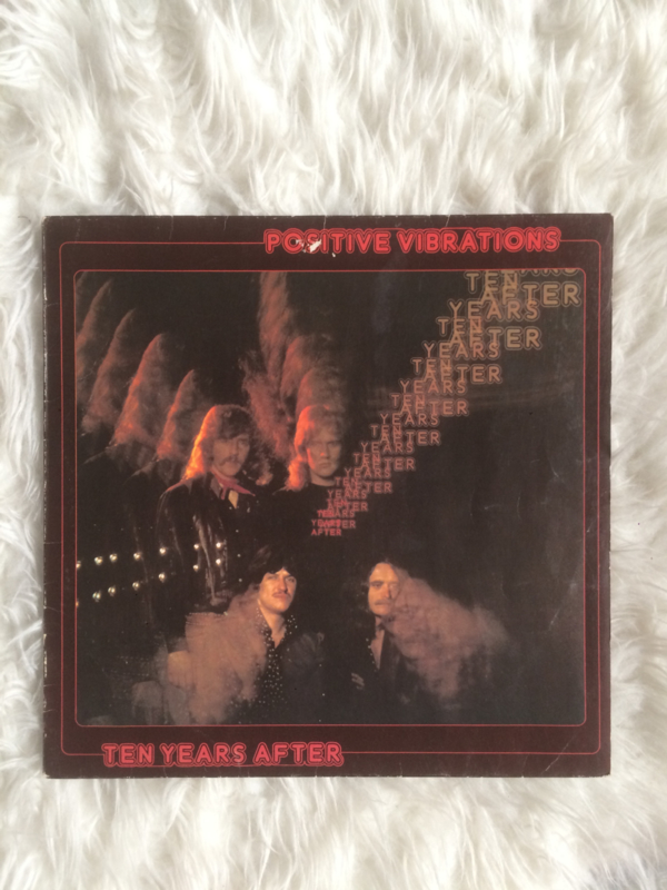 LP ten years after ; positive vibrations