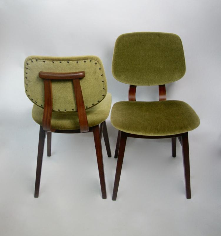 Houten Eetkamerstoelen Vintage.Vintage Houten Eetkamerstoelen Groen Velours Verkocht