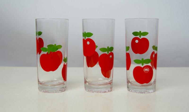 3 glazen met rode appelprint