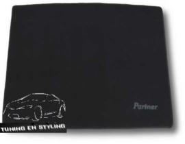CLASSIC Velours Kofferbakmat met logo Peugeot Partner I