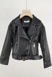 Zwart leatherlook jasje met riem