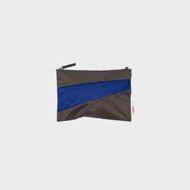 The New Pouch M 'warm grey & electric blue' - Susan Bijl
