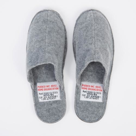 Wollen slippers / pantoffels - Puebco