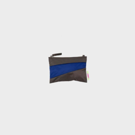 The New Pouch S 'warm grey & electric blue' - Susan Bijl