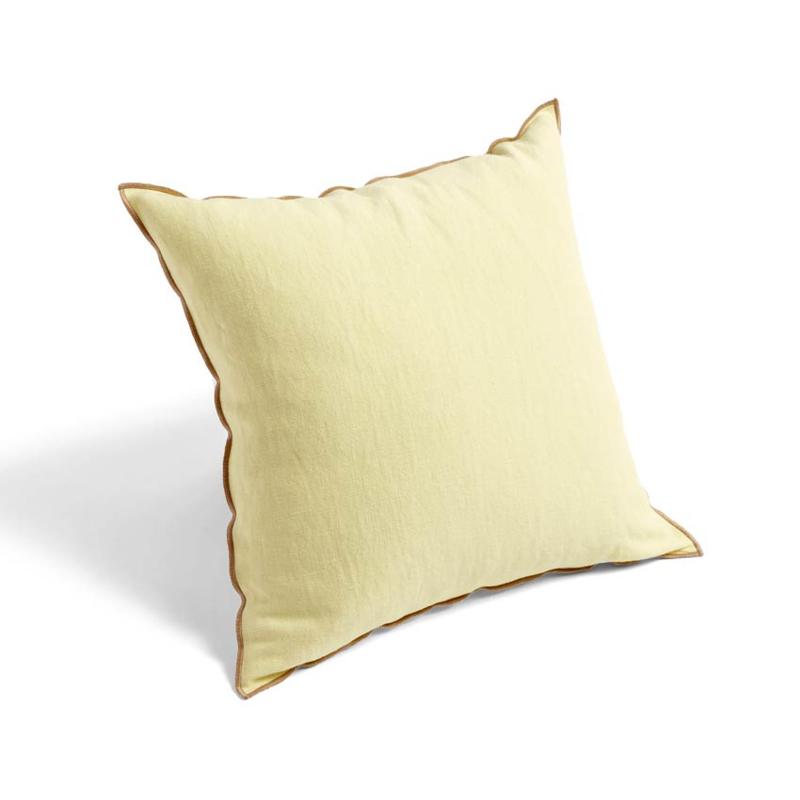 Mooi gekleurde kussens / outline cushions - HAY