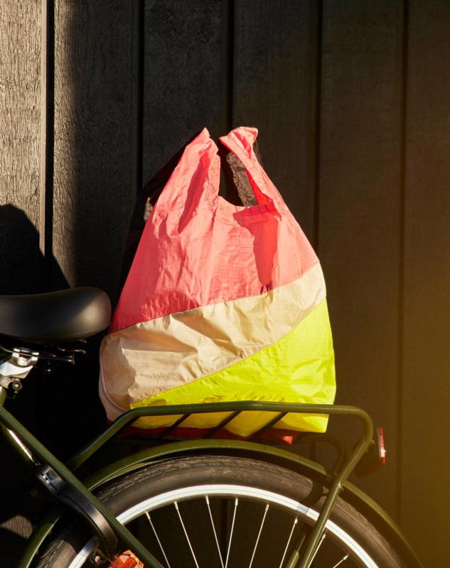 Six Colour Bag  M #5 Susan Bijl en Bertjan Pot - HAY