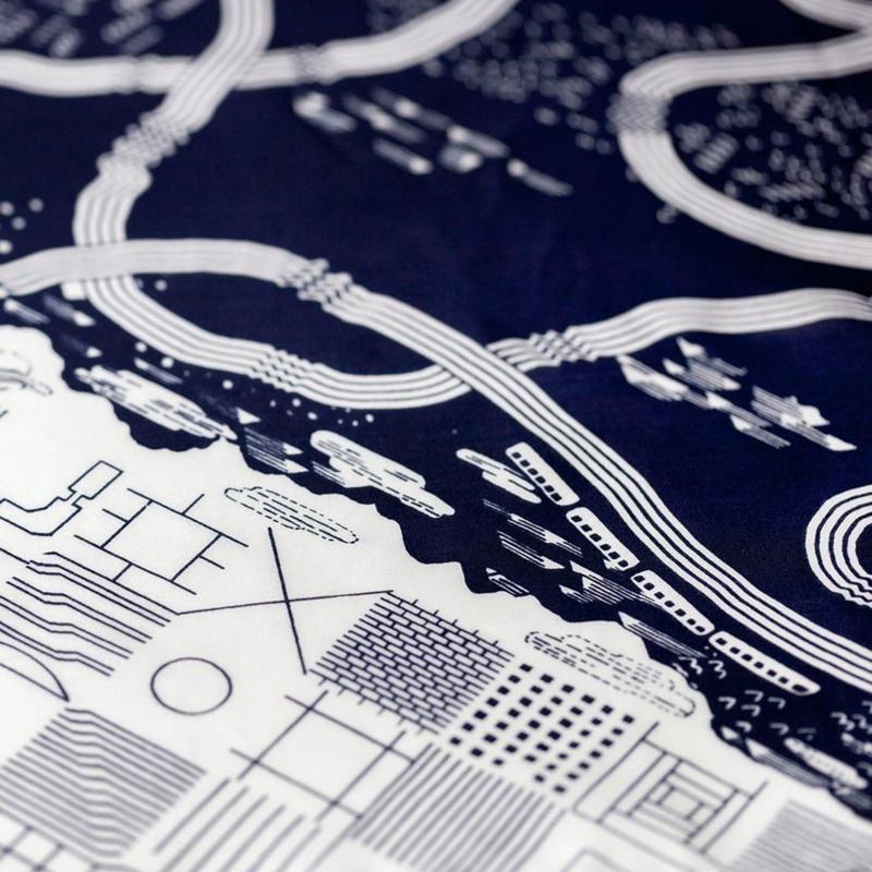 Furoshiki 90 x 90 cm 'The Hilda Express' - Link