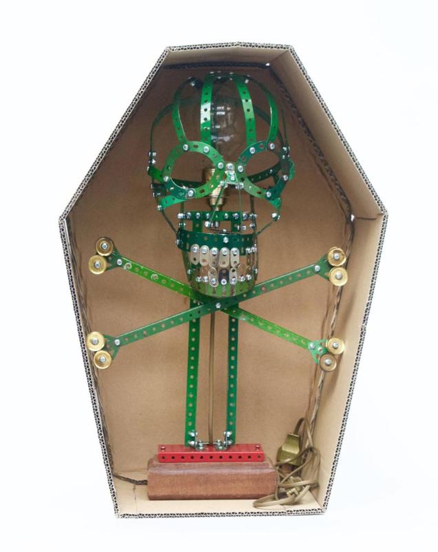 Lamp van Meccano 'Skull' - Oom Jan