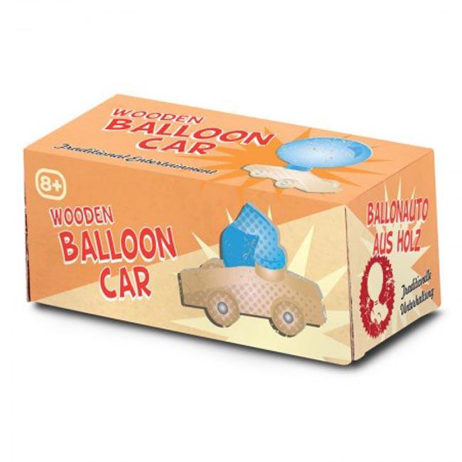 Klassieke houten ballon auto