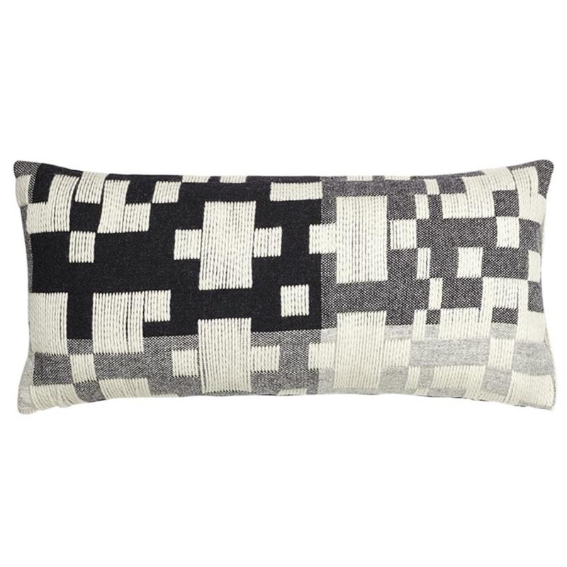 Langwerpig Kussen Pennan Woven White Black - Donna Wilson