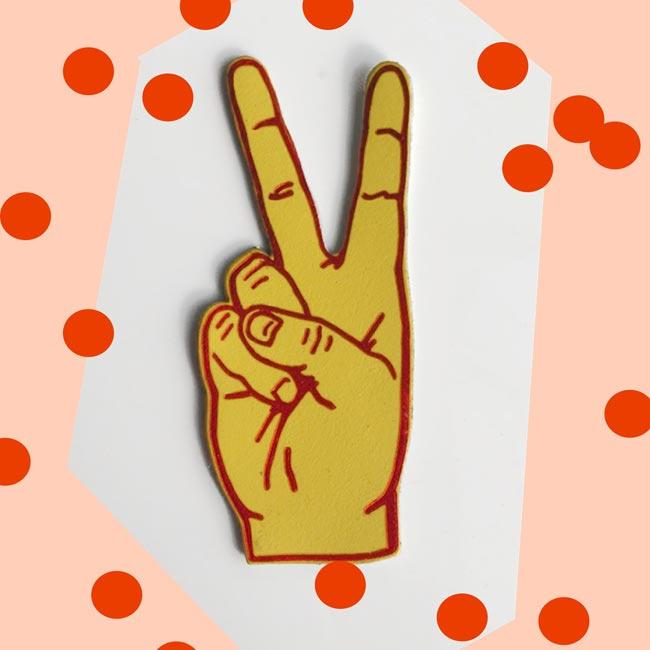 Peace broche van leer - Ark Colour design