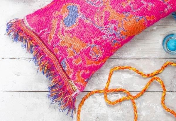 Kussen 'Fringe' N°5 Deep Pink - Roos Soetekouw