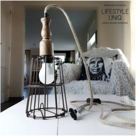 LAMP DRAADIJZER/HOUT