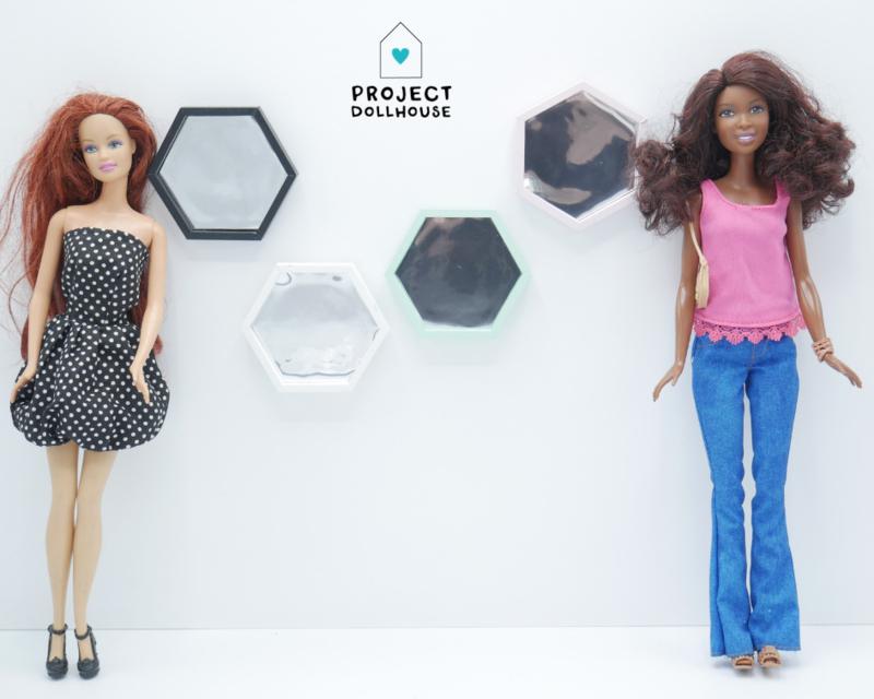 Hexagon spiegel Barbie formaat