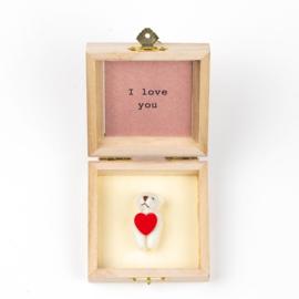 Oso en caja de madera te amo