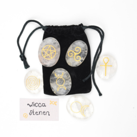 Wicca stenen white