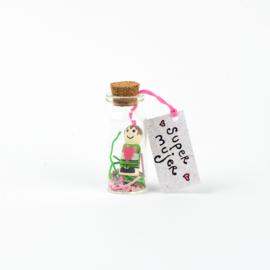 Botella Super mujer