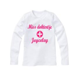 Shirt MISS DOKTERTJE met eigen naam