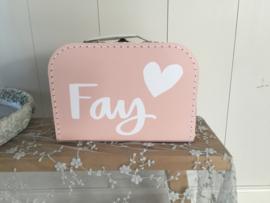 Koffertje met naam en hart
