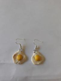 Oorbellen - Egg earrings