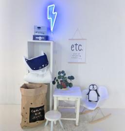 Neon stijl lamp: blauwe bliksemschicht wandlamp - A Little Lovely Company