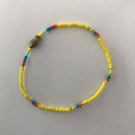 Loffs armband Tiny met vis - geel