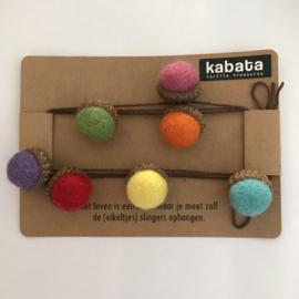 Kabata slinger met vilt eikels - felle kleuren - klein