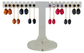EH831 - Earhooks display 8 pairs