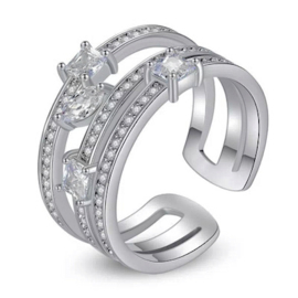R042 - Ring in gift-box, platinum plated, neutral cz, size adjustable