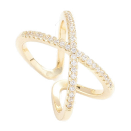 R118 - Ring in gift-box, 18K gold plated, neutral cz, size adjustable