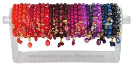 0701 - 30 bracelets on display - 6 colors