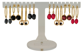 EH811 - Earhooks display 8 pairs