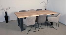 Teakholz-Tisch