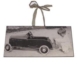 Reproductie Jongen+speelg.auto 28x41cm