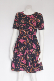 Collection London - Donkerblauwe swing dress met roze print - Mt 36 / 10