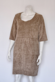 Expresso - Bruin suede look pencil dress - Mt 42