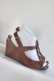 Clarks - Bruin lederen t-strap sandalen met sleehak - Mt 40 / 6,5