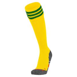 Gele voetbalsokken met aan de bovenkant 3 groene ringen