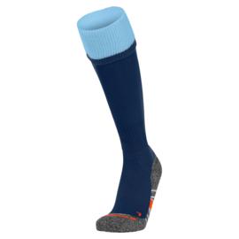 Blauwe voetbalsokken met blauwe rand aan de bovenkant