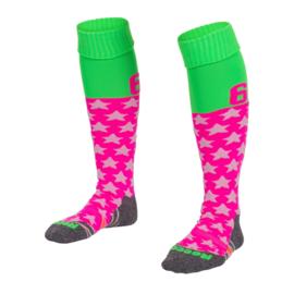 Roze met groene Numbaa hockeysokken met hartmotief