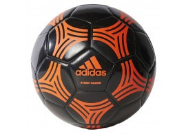 Adidas straatvoetbal