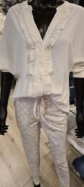 Travelstof blouse met roezels Roomwit